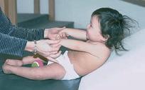 Ayudando al bebé a sentarse